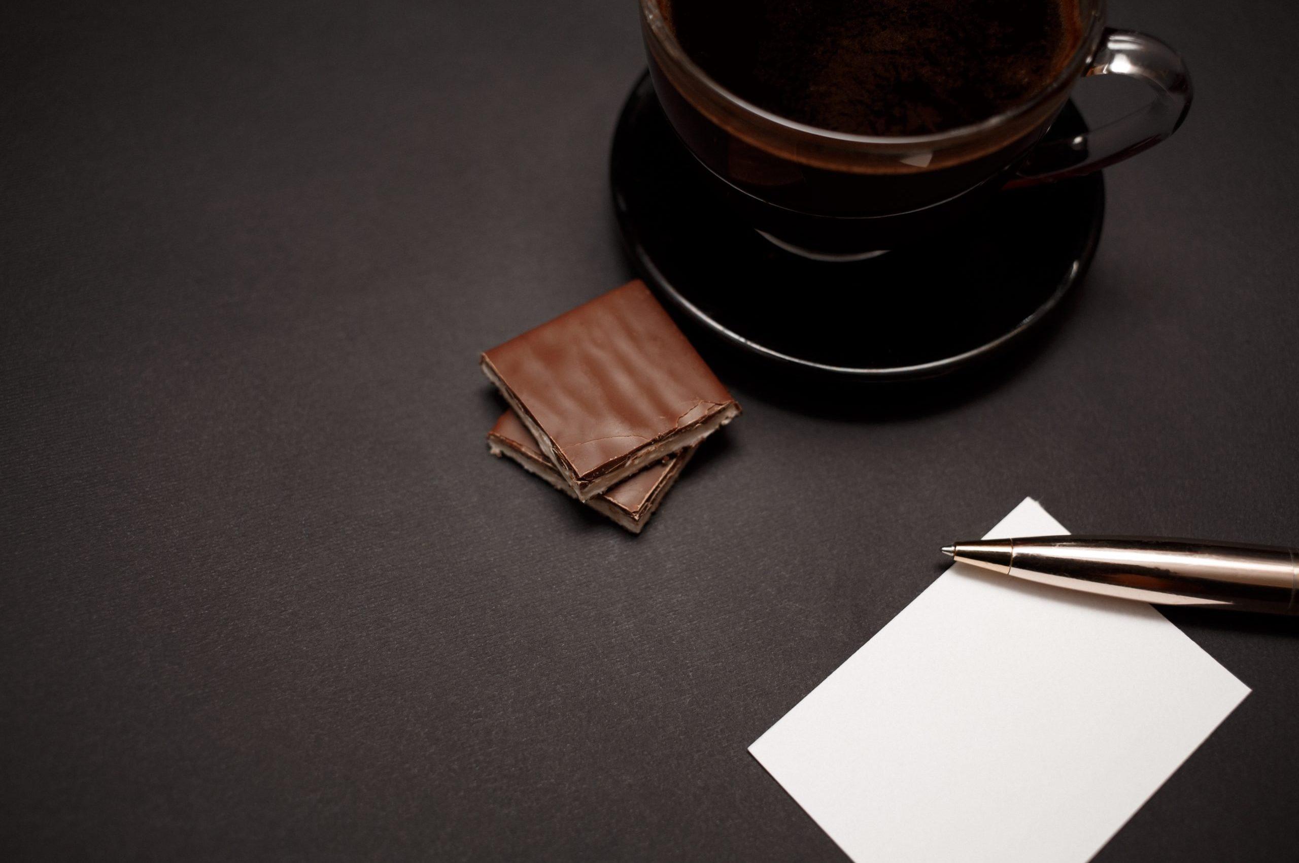rmda-ss-retail-fragrant-coffee-transparent-cup-chocolates-dark-background.5760.3840